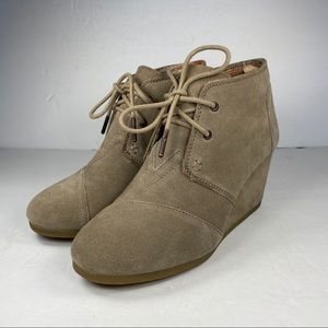Toms Kala Taupe Desert Wedge Booties Suede Shoe 6